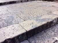 ANTIQUE RECLAIMED STONE BORDER OF BURGUNDY, RECYCLED LIMESTONE LIMITATIONS OF ANCIENT GARDENS VILLAS , DEPTH 35 CM,(13,78 INC.) HEIGHT 12 CM,(4,72 inc.) LENGTH OF VARIABLE STOCK FOR SALE